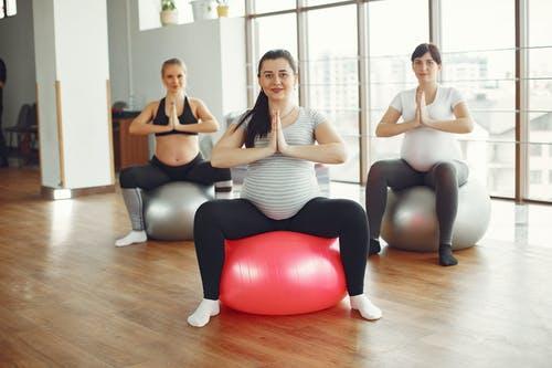 Hamileler Icin  Ebru Şallı İle Pilates Videosu - Derya Öneriyor