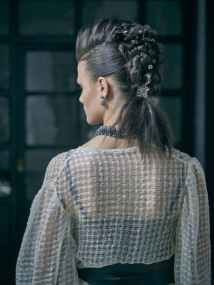 peinado para novia con accesorios de moda 2020