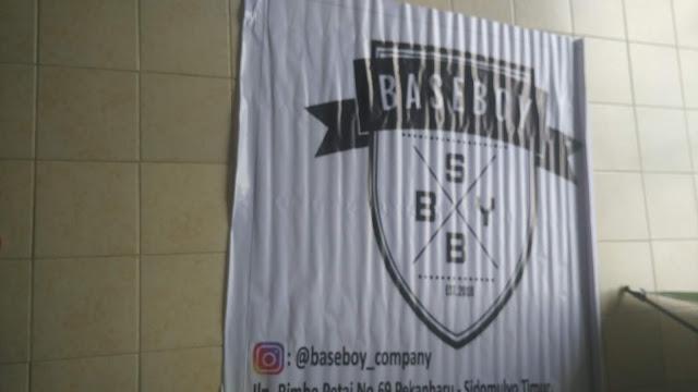 Spanduk Baseboy Company