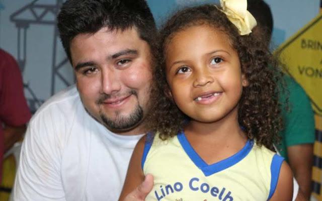 Prefeito Fernando Teixeira inaugurou no mesmo dia, uma escola climatizada e uma ponte!!!
