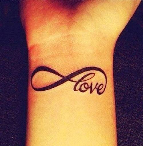 Tatuajes de Love e Infinito