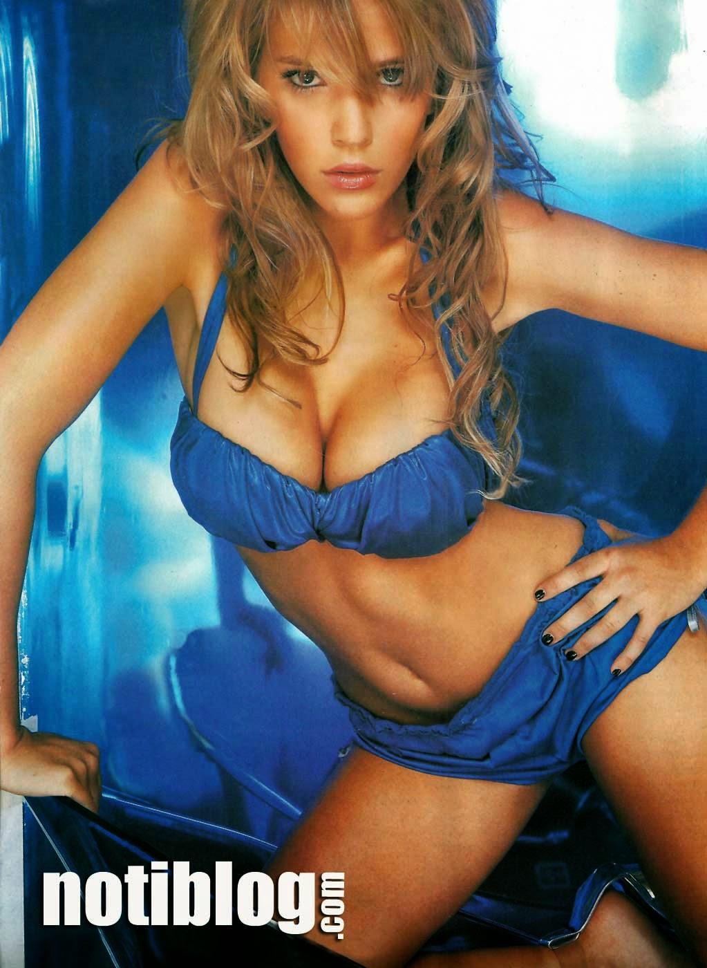 Mina argentina desnuda pic 42