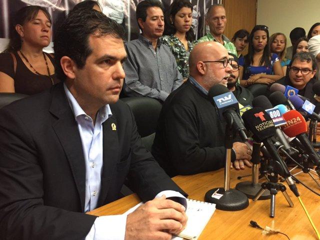 Foro Penal: 966 detenidos en protestas antigubernamentales contra Maduro en toda Venezuela.