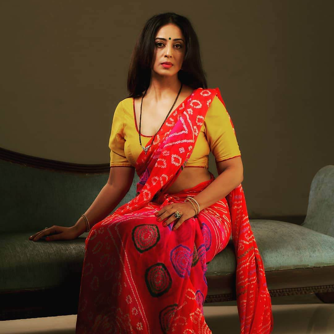 Apharan Web Series Actresses Mahie Gill Instagram Bold And Hot Photos & Videos