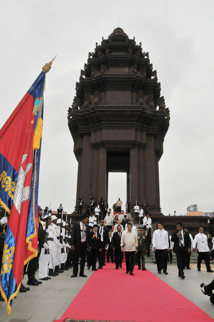 Duterte à Phnom Penh : Monument de l'Indépendance