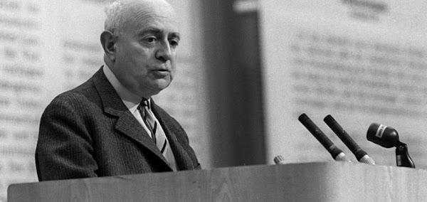 Opinión, demencia y sociedad | por Theodor Adorno