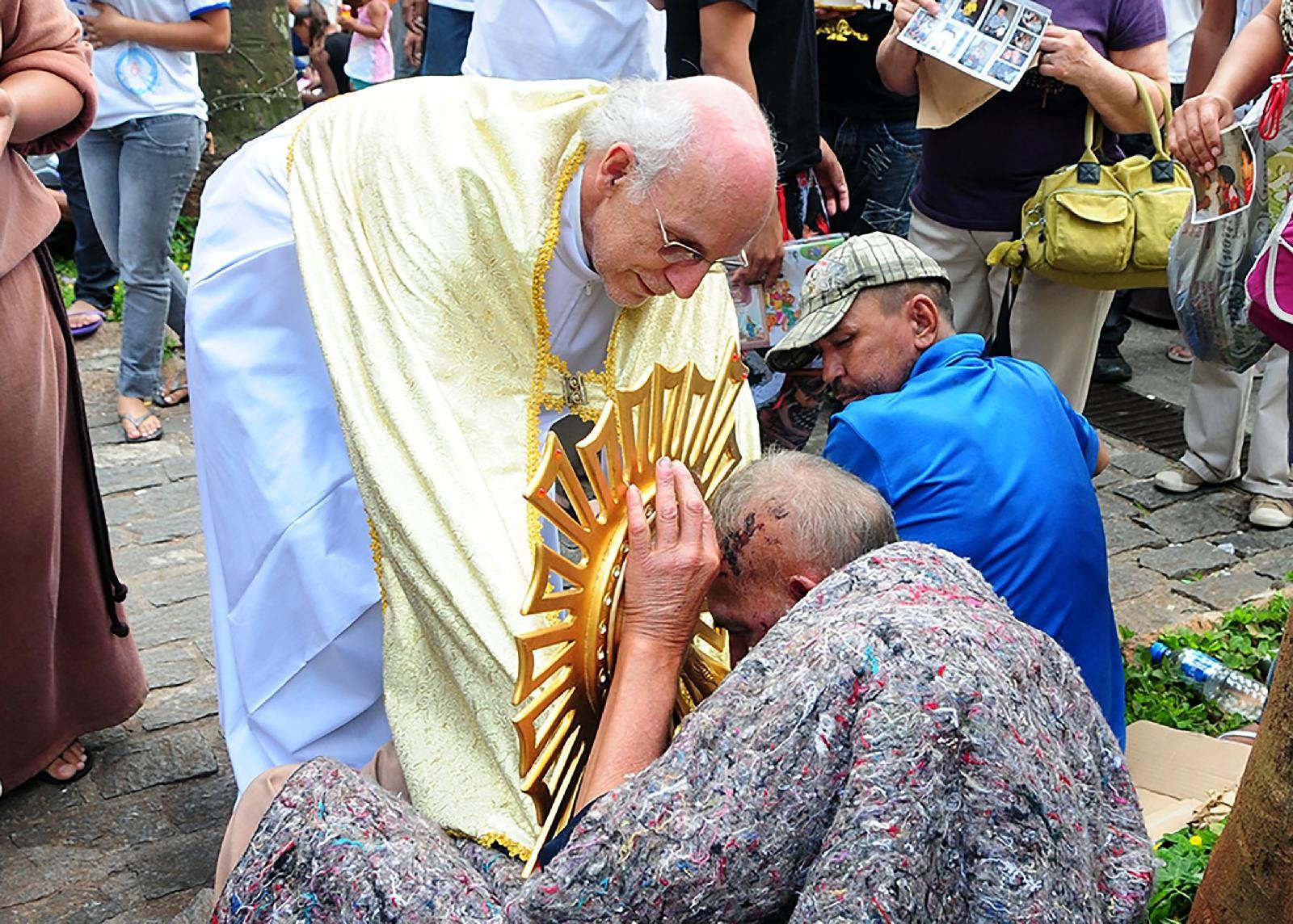 Kisah Pastor Julio yang Mendapat Ucapan Terima Kasih dari Paus Fransiskus
