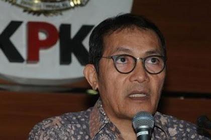 Saut Situmorang Minta Kapolri Transparan Laporkan Kasus Novel ke Jokowi