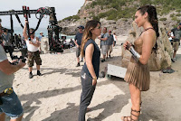 Wonder Woman (2017) Gal Gadot and Patty Jenkins Set Photo 6 (62)
