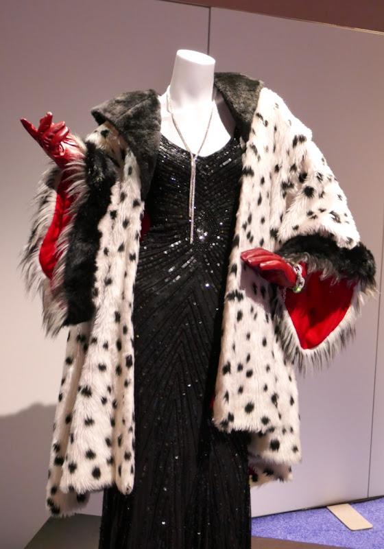 Victoria Smurfit Once Upon a Time Cruella de Vil costume