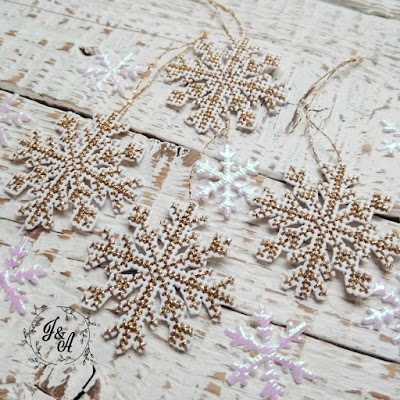 pada śnieg ( broszka i komplet śnieżynek)