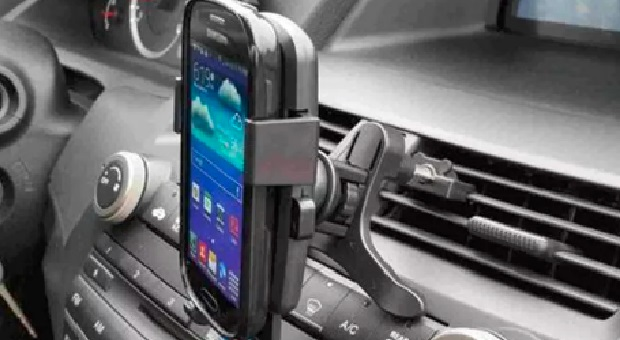 Begini Cara Menghubungkan HP ke Audio Mobil