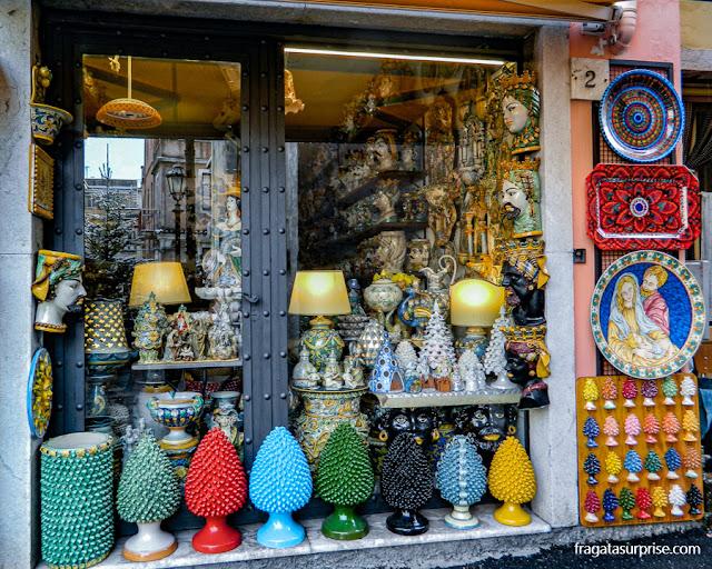 Peças de majolica, cerâmica típica siciliana