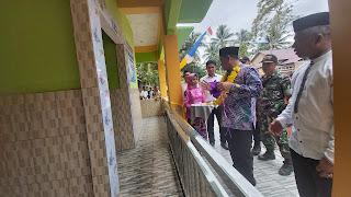 Bupati Kotabaru Resmikan Gedung MCK Ipal Komunal di Desa Bandar Raya