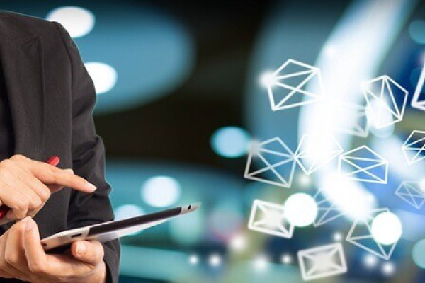 Benchmark la mejor herramienta de email Marketing