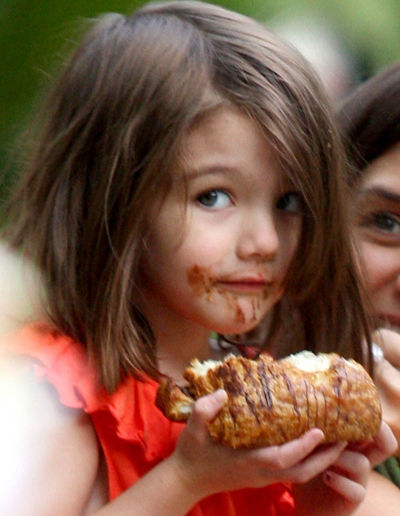 Cute Baby Girl Child Wallpaper Latest Hollywood Hottest Wallpapers Suri Cruise 2009