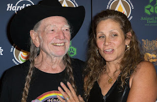 Willie Nelson with his wife Annie D'Angelo
