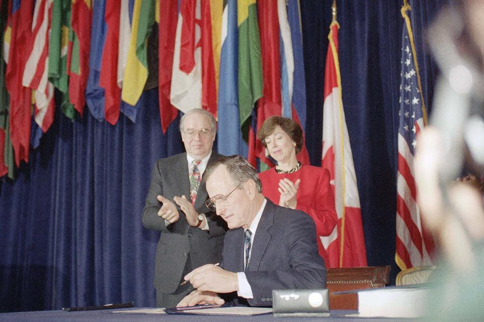 Dont be fooled by donald trumps big fat nafta lie nomadic politics signed the nafta agreement the signing ceremony was the culmination of years of diplomatic negotiations among three nations mexico canada and the us platinumwayz