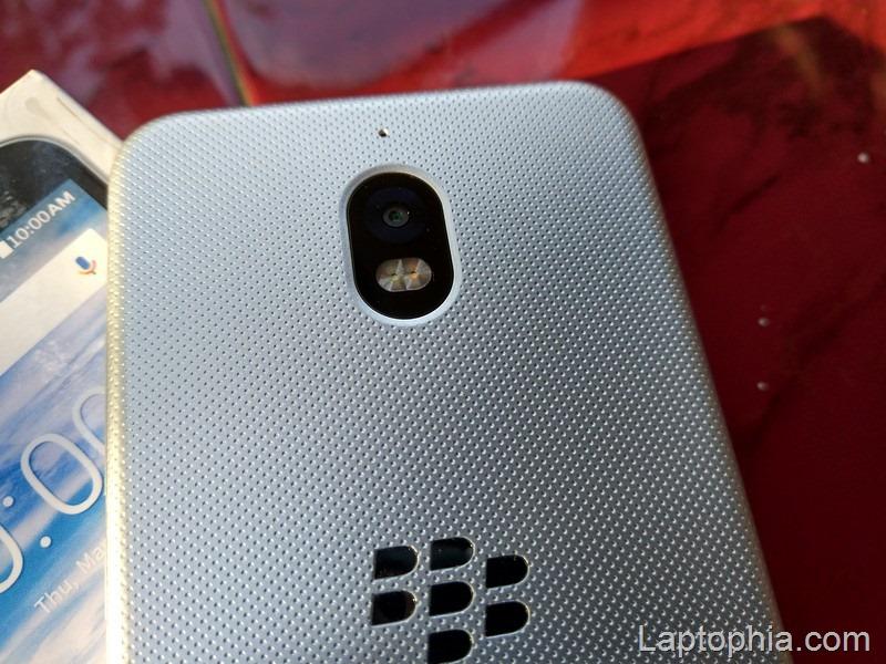 Desain BlackBerry Aurora
