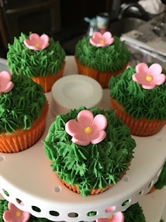 Cinco de Mayo Cactus Cupcakes with Flower