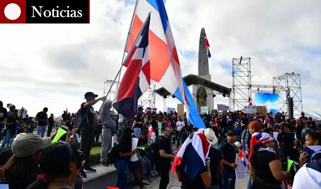 plaza de la bandera, trabucazo, protesta RD