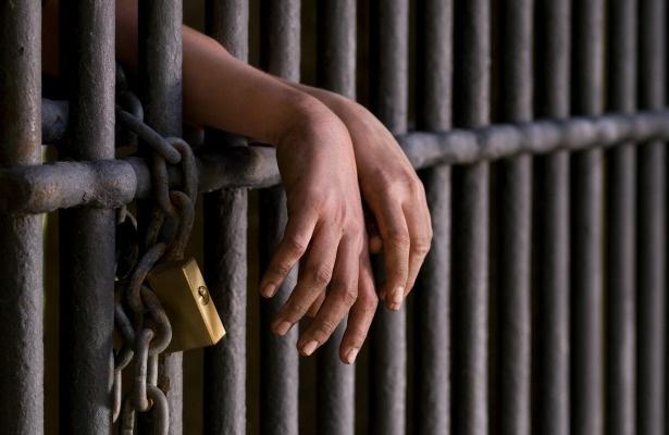 Pai é preso por estuprar filha que tinha sonho de conhecê-lo em Branquinha/AL