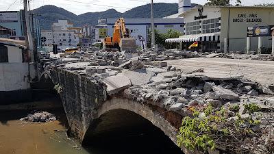 Obras da Ponte do Centro de Itapema