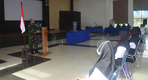 Danlanud Supadio Gives Direction to AAU cadets
