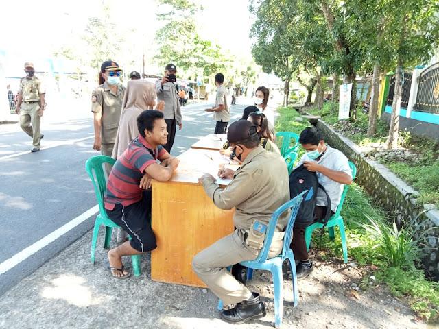 Tim Satgas Gugus Tugas Menggelar Operasi Yustisi Dalam Rangka Menyambut Lomba Kampung Sehat Jilid ll