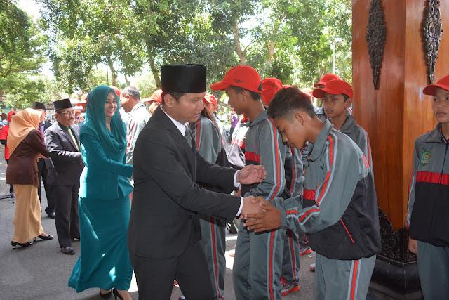 Wabup Arifin Berangkatkan 62 Atlit Trenggalek Dalam POR SD/ MI Jatim