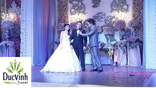 Cách chọn MC cho đám cưới