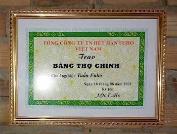 Chế ảnh trao bằng thợ chính của thầy Lộc Fuho