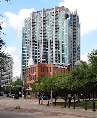 SkyHouse Dallas 2320 N Houston St, Dallas, TX 75219