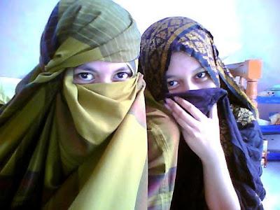 Akhwat cantik dengan hijab tradisional