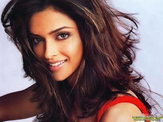 Deepika Padukone Smiling Photo