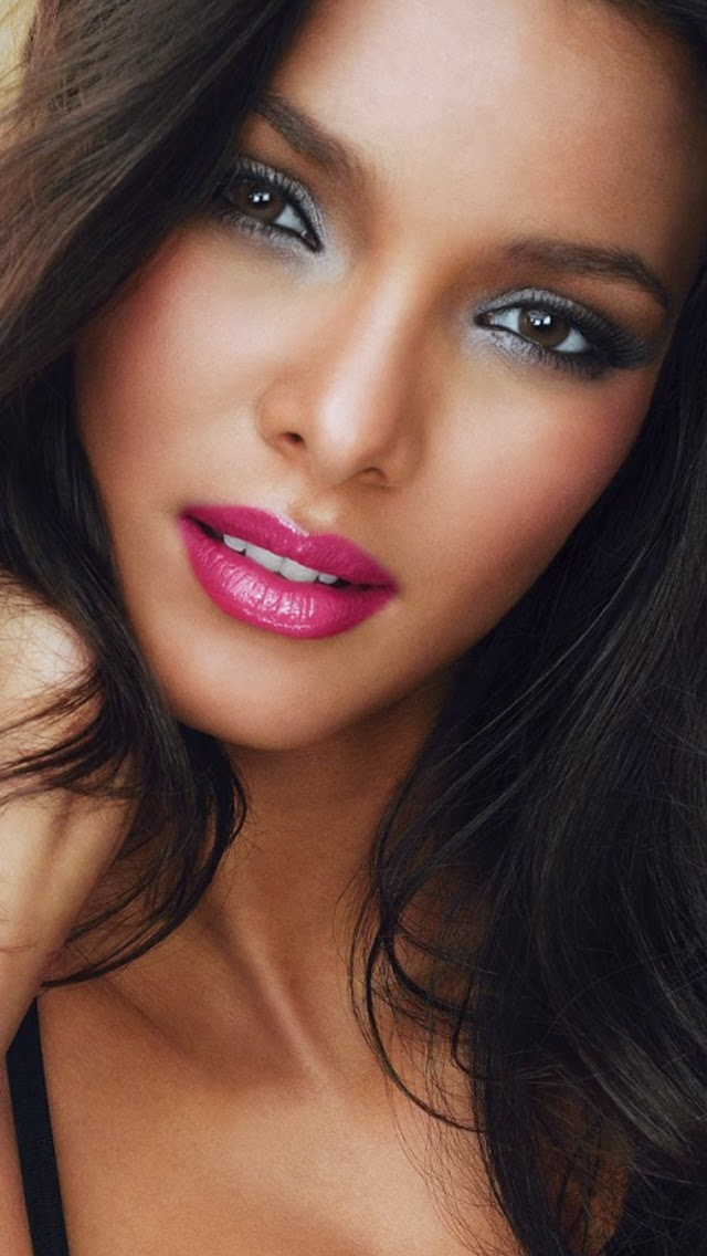 Music News: BRAZILIAN MODEL Lais Ribeiro For