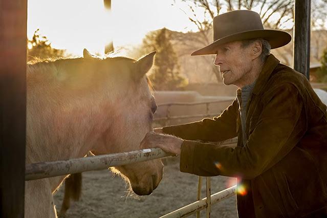 Clint Eastwood como Mike. Imagen de Warner Bros Pictures.