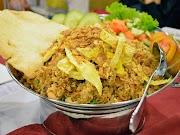 Buruan Booking Penginapan di Surabaya, Banyak Kuliner Enak yang Bisa Kamu Coba!