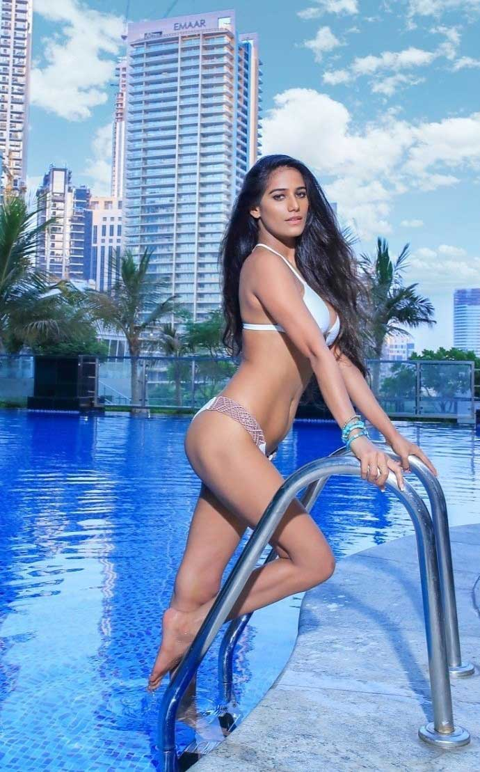 Poonam Pandey coming out of pool in sexy Bikini