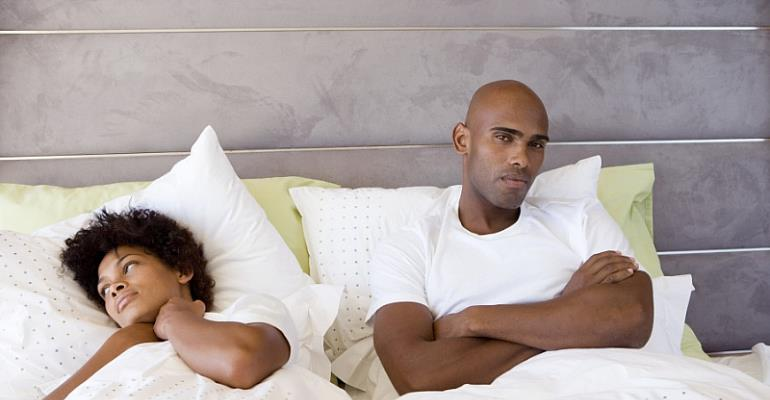 Worried that you're not attracted to your boyfriend anymore? Let's take a look at the warning signs you need to watch out for.