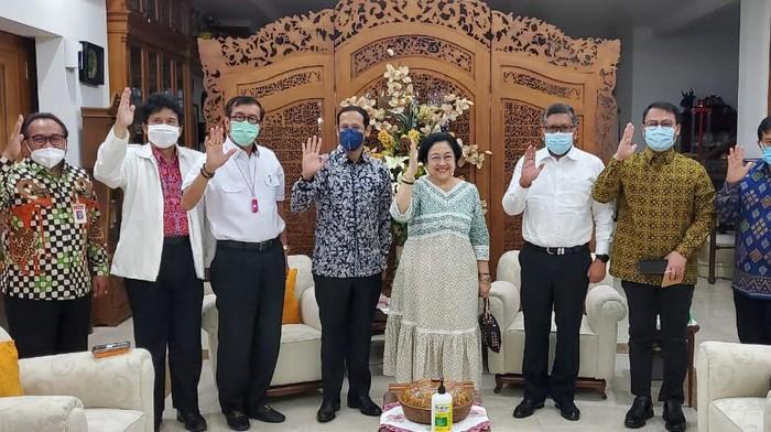 Ahmad Basarah Bongkar Isi Pertemuan Megawati dan Nadiem Makarim