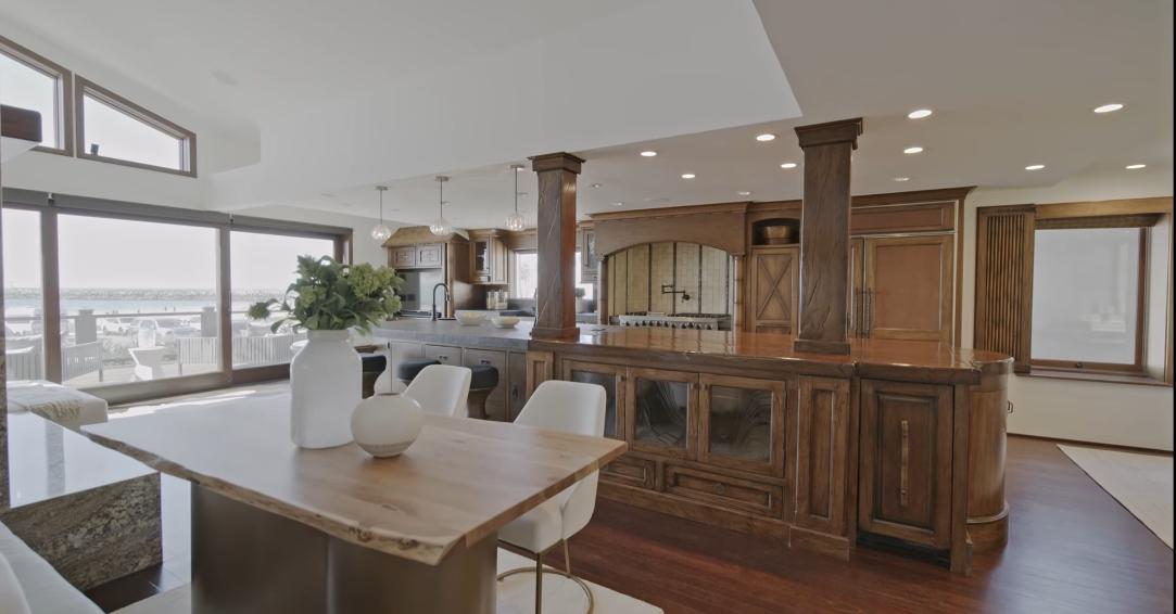 15 Interior Design Photos vs. 3150 Breakers Dr, Corona Del Mar, CA Luxury Home Tour