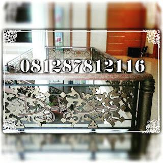Spesialis, Pengrajin, Rumah Mewah, Besi Tempa ,pintu ,pagar besi tempa, railing tangga, balkon, teralis, ornamen, alferon, alferrom, ornamen besi tempa, Pintu Swing Besi tempa, Pagar Besi Tempa, Pintu Gerbang Besi tempa, Railing Tangga Besi Tempa, Balkon Besi Tempa, Ornamen Alferon Besi Tempa, Pintu, Pagar, Gerbang, Railing, Balkon, Tangga Layang, Besi Tempa, Klasik, Tangga layang