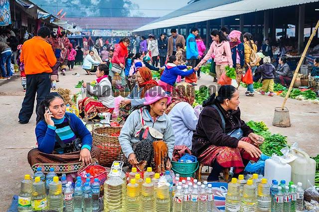 Market Upclose - The Women