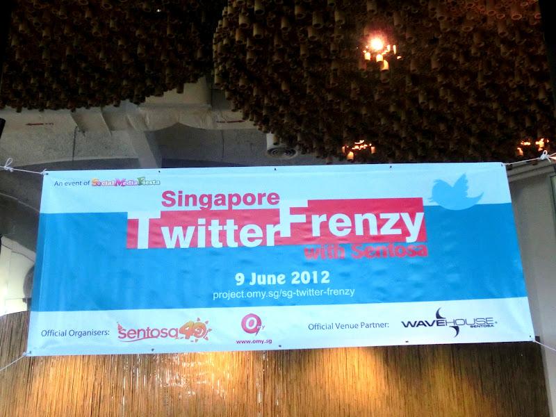 76bf8d9bc22f OMG!!! I m the WINNER for Singapore Twitter Frenzy Award 2012 ...