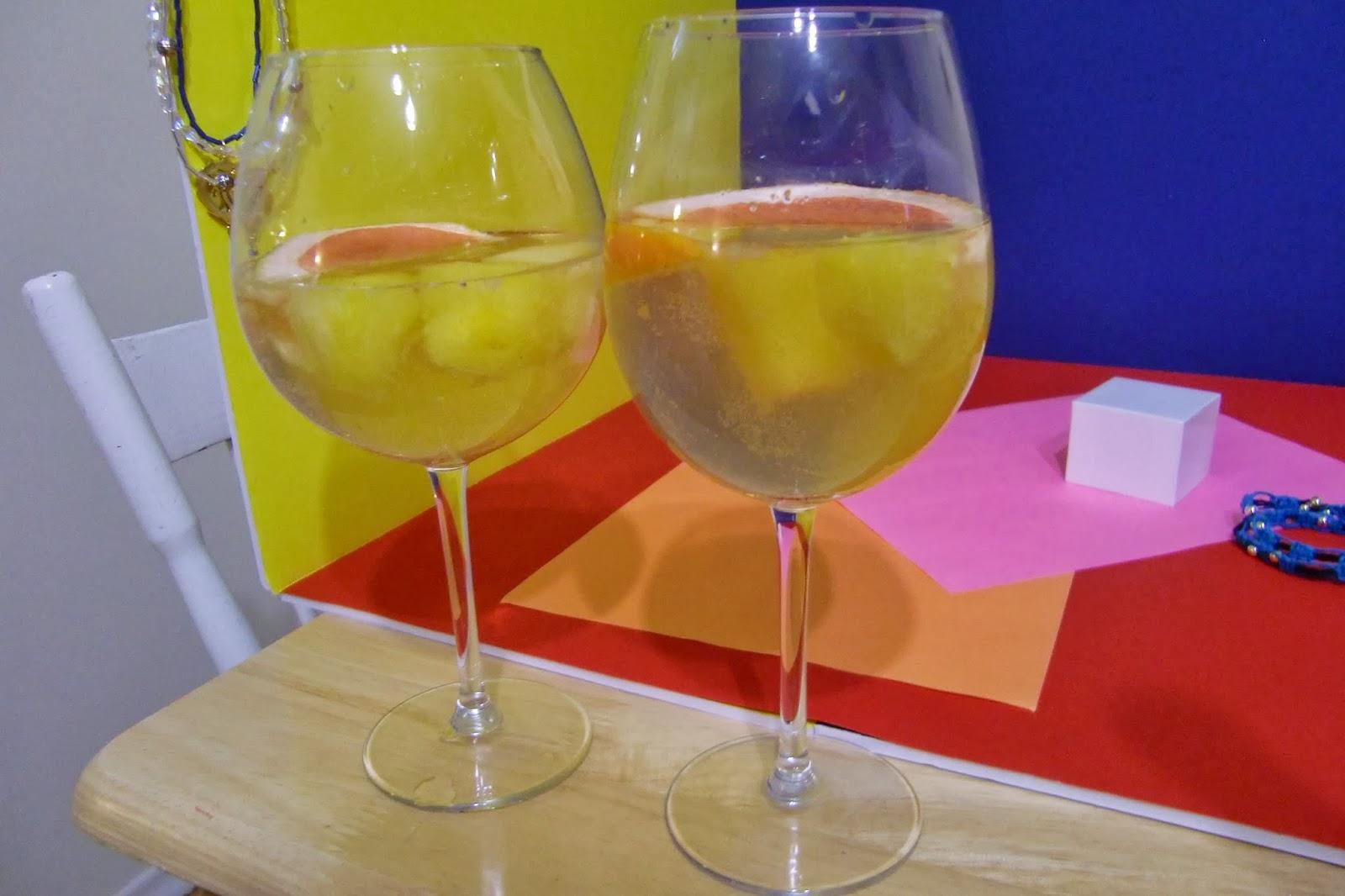 Tipsy Tuesday: White Wine Sangria!