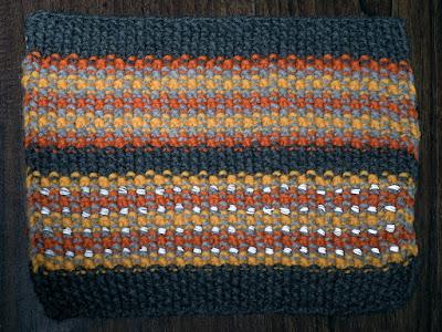 Reflective yarn, photo by Moira Ravenscroft, Wyndlestraw Designs