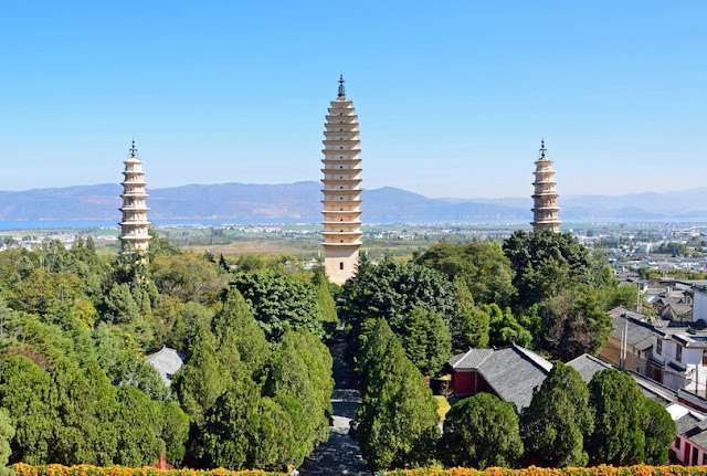 Three Pagodas,Most Famous Towers in the World