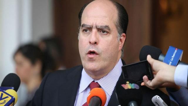@JulioBorges: Emplazamos a Padrino López a que haga buena su palabra y deje que la marcha se haga en paz