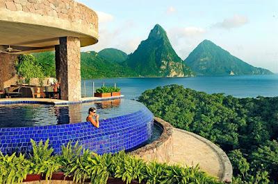 Hồ bơi Jade Mountain Resort
